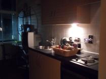 A konyha esti fényben...